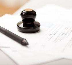 Консультації адвоката з отримання посвідки на проживання в Україні.